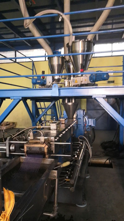 300kg/h Twin Screw Extruder for Biodegradable Masterbatch Compounding SAT65 in Indonesia